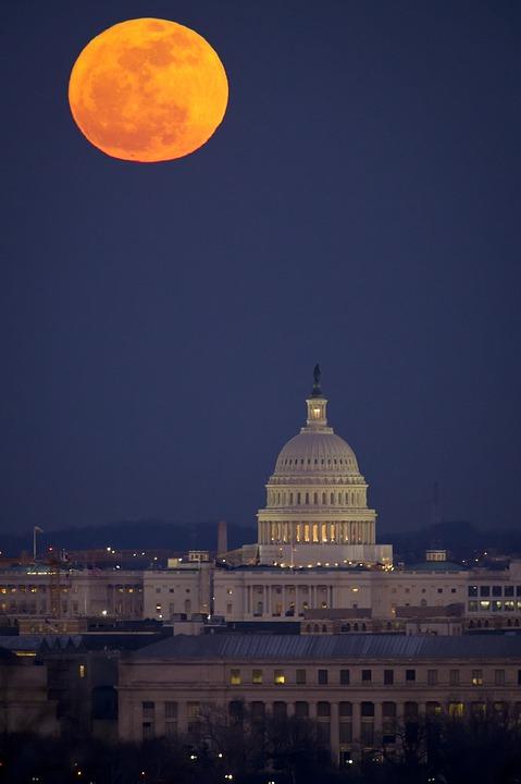 full-moon-2135225_960_720